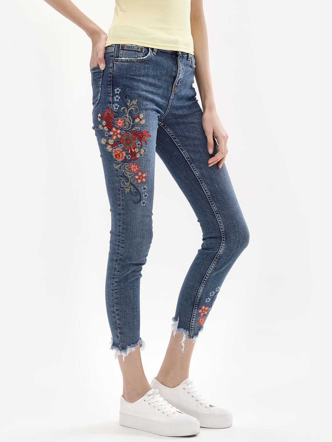 New Look Mid Blue Embroidered Ripped Skinny Kourtney Jeans 1