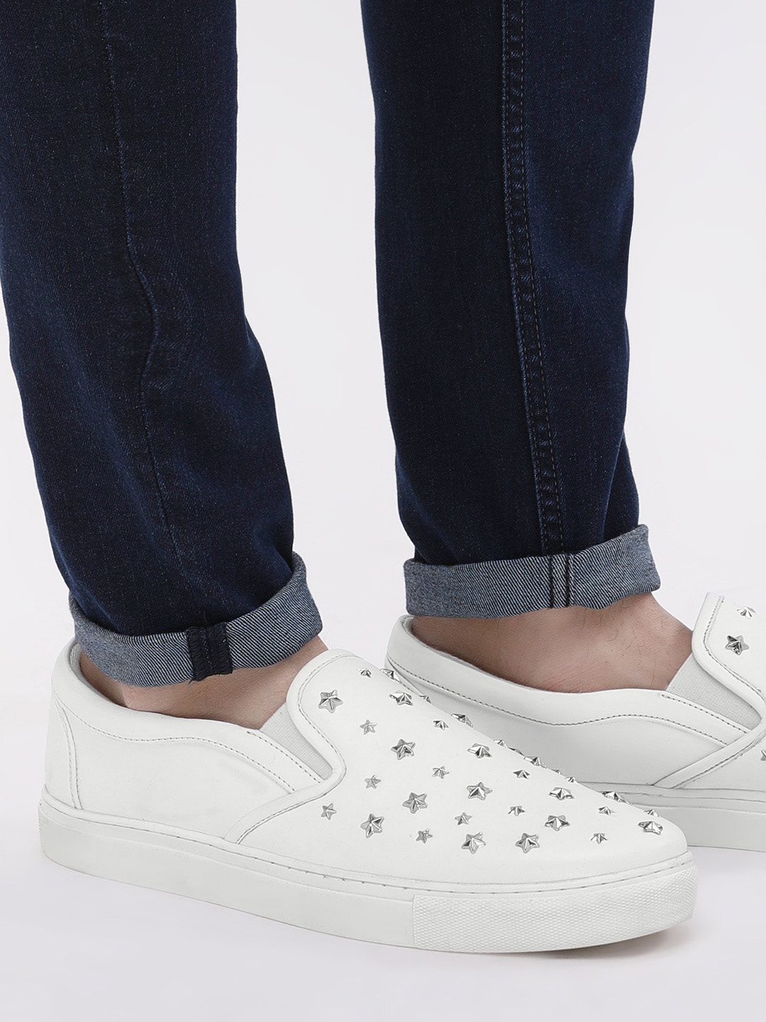 KOOVS White Sneakers With Star Studs 1