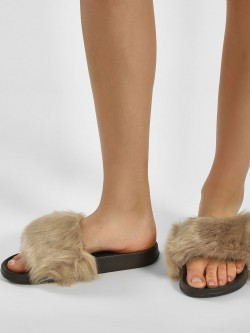 Truffle Collection Furry Pool Sliders