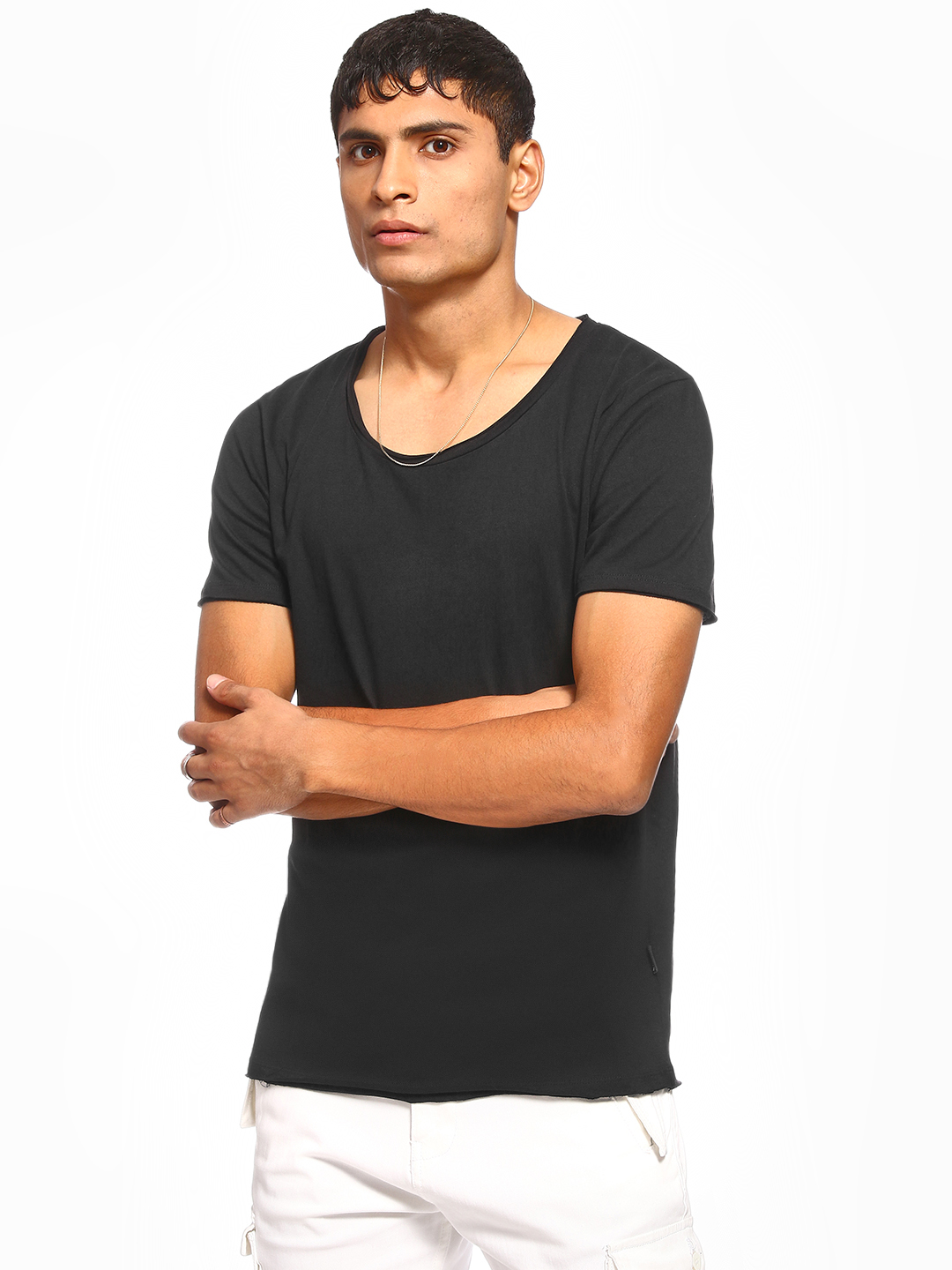 KOOVS Black Basic Scoop Neck T-Shirt 1