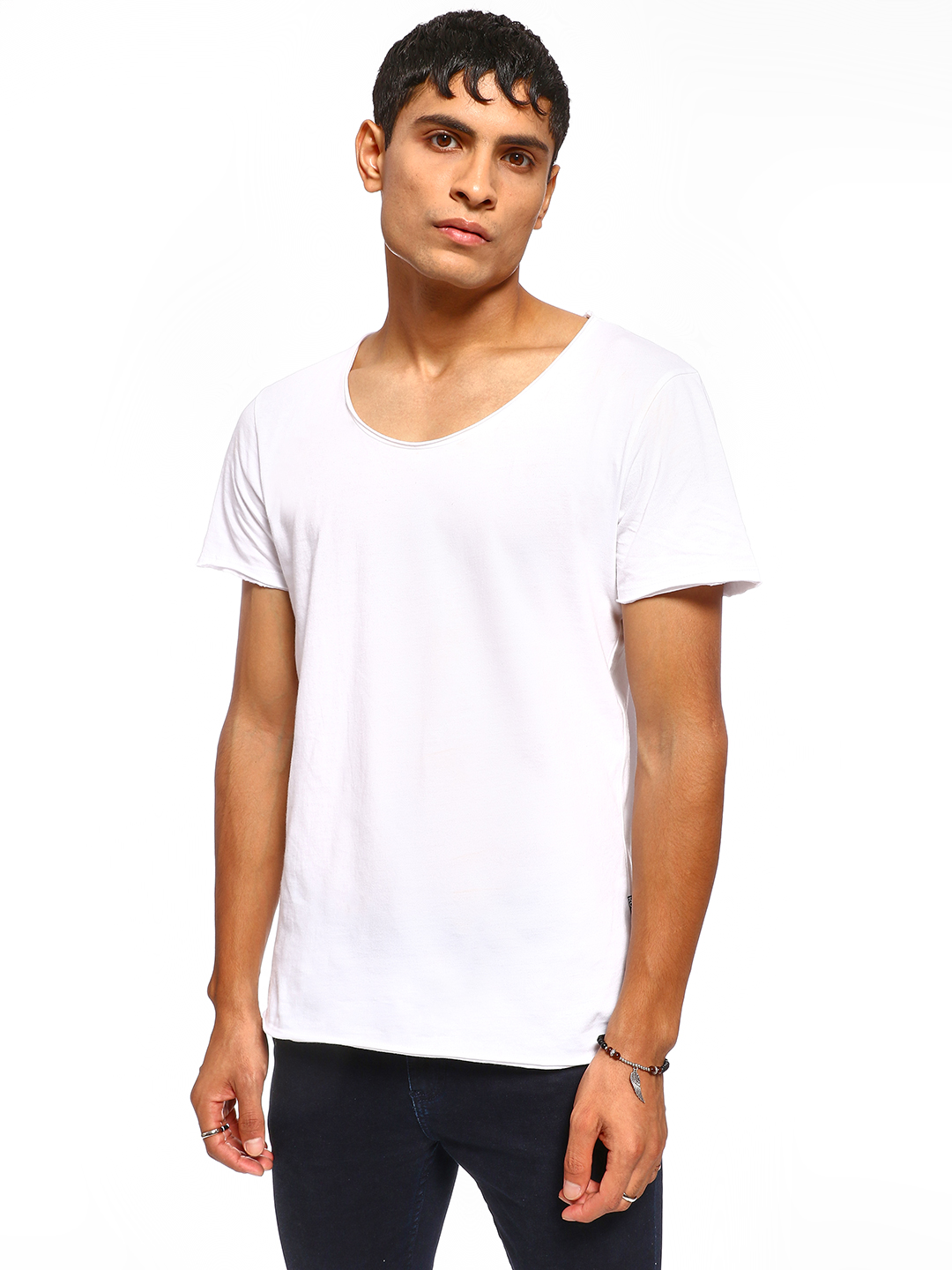 KOOVS White Basic Scoop Neck T-Shirt 1