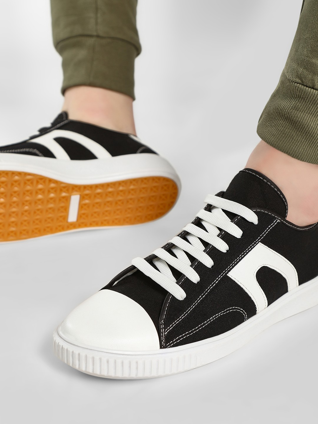 Kindred Black Canvas Panelled Lace-Up Sneakers 1