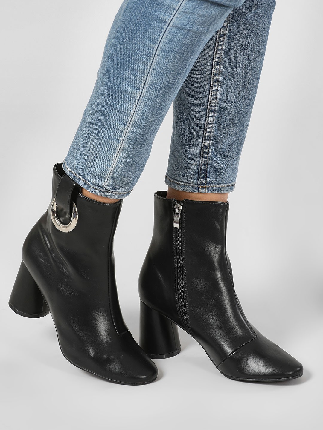 Intoto Black Ring Detail Block Heel Boots 1