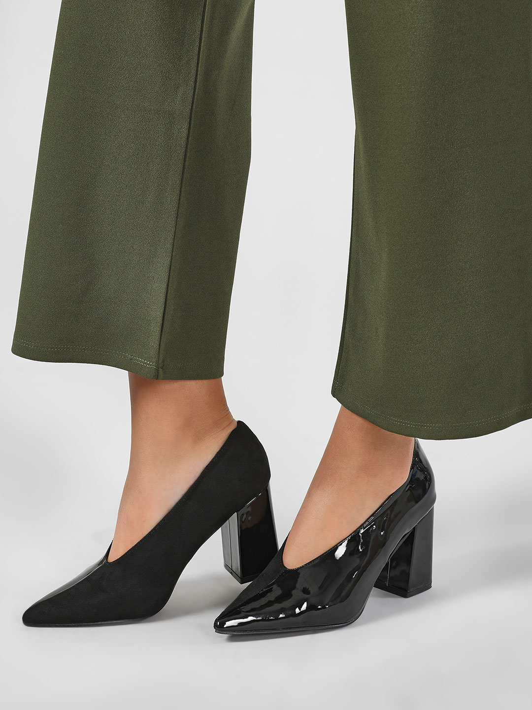 Intoto Black Pointed Block Heeled Pumps 1