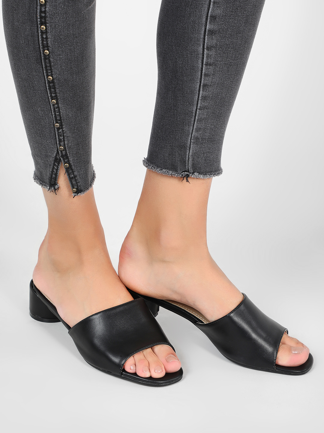 Intoto Black Mules With Short Cylindrical Heels 1