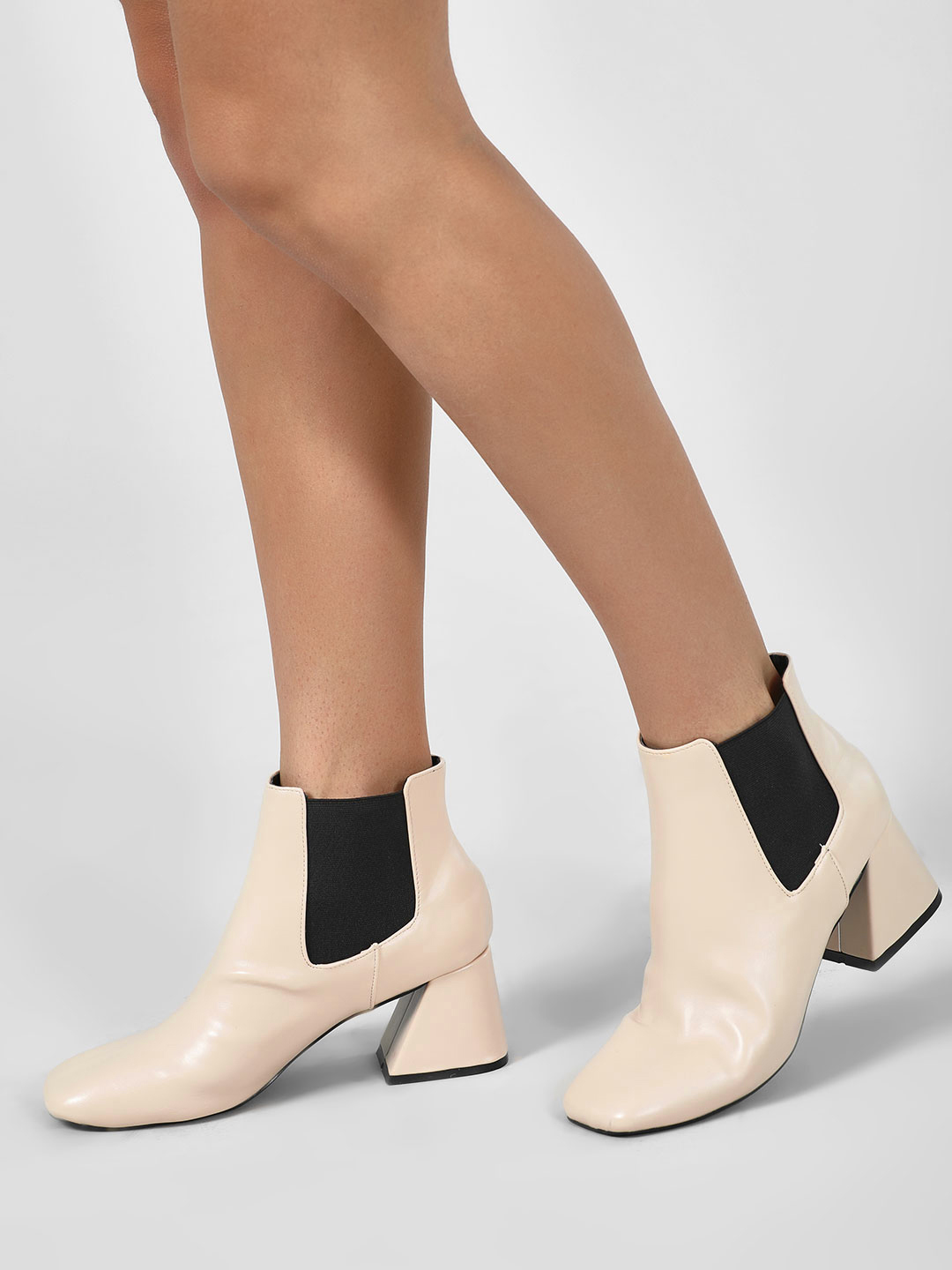 Intoto Tan Flared Heel Chelsea Boots 1
