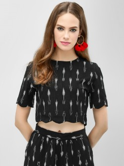 Spring Break Ikkat Print Scallop Crop Top