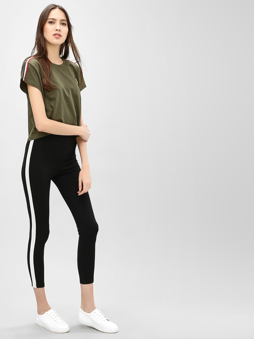 KOOVS Black Contrast Stripe Cropped Leggings 1