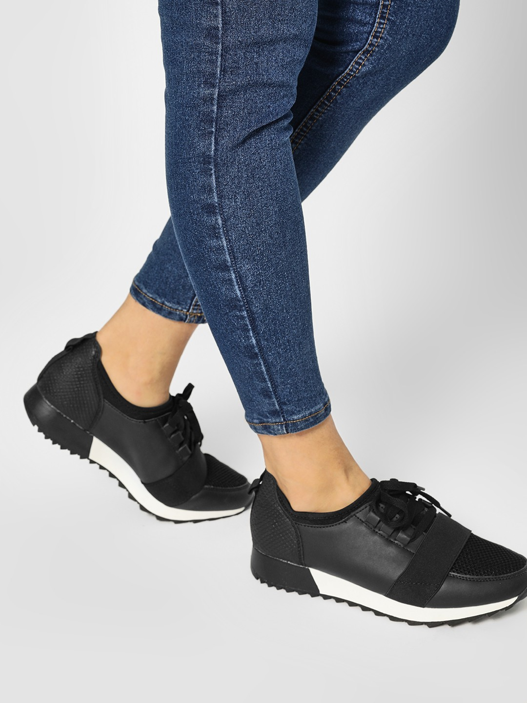 Truffle Collection Black Elasticated Band Contrast Sole Trainers 1