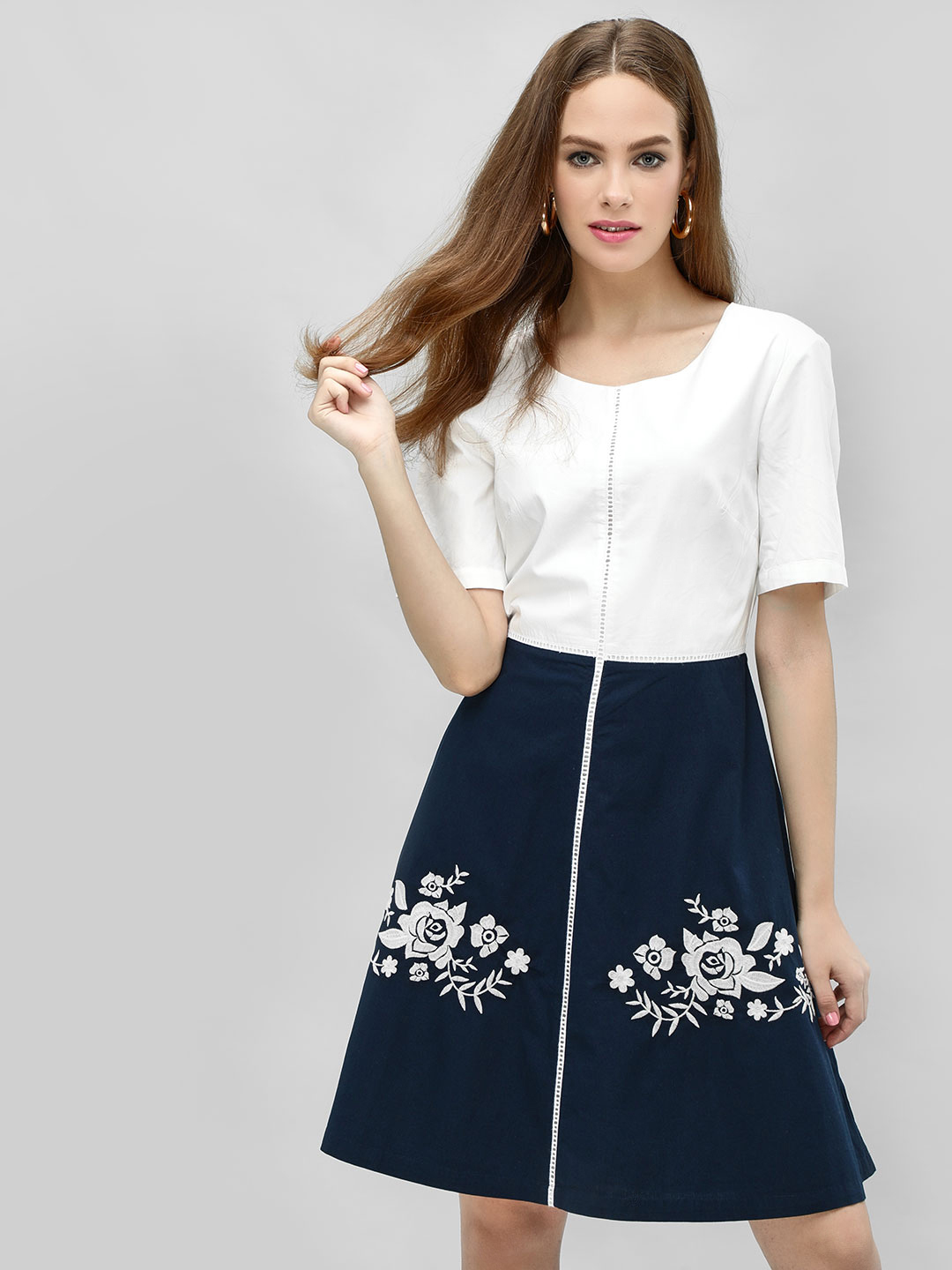 PostFold WHITE/NAVY Colour-Block Floral Embroidered Skater Dress 1