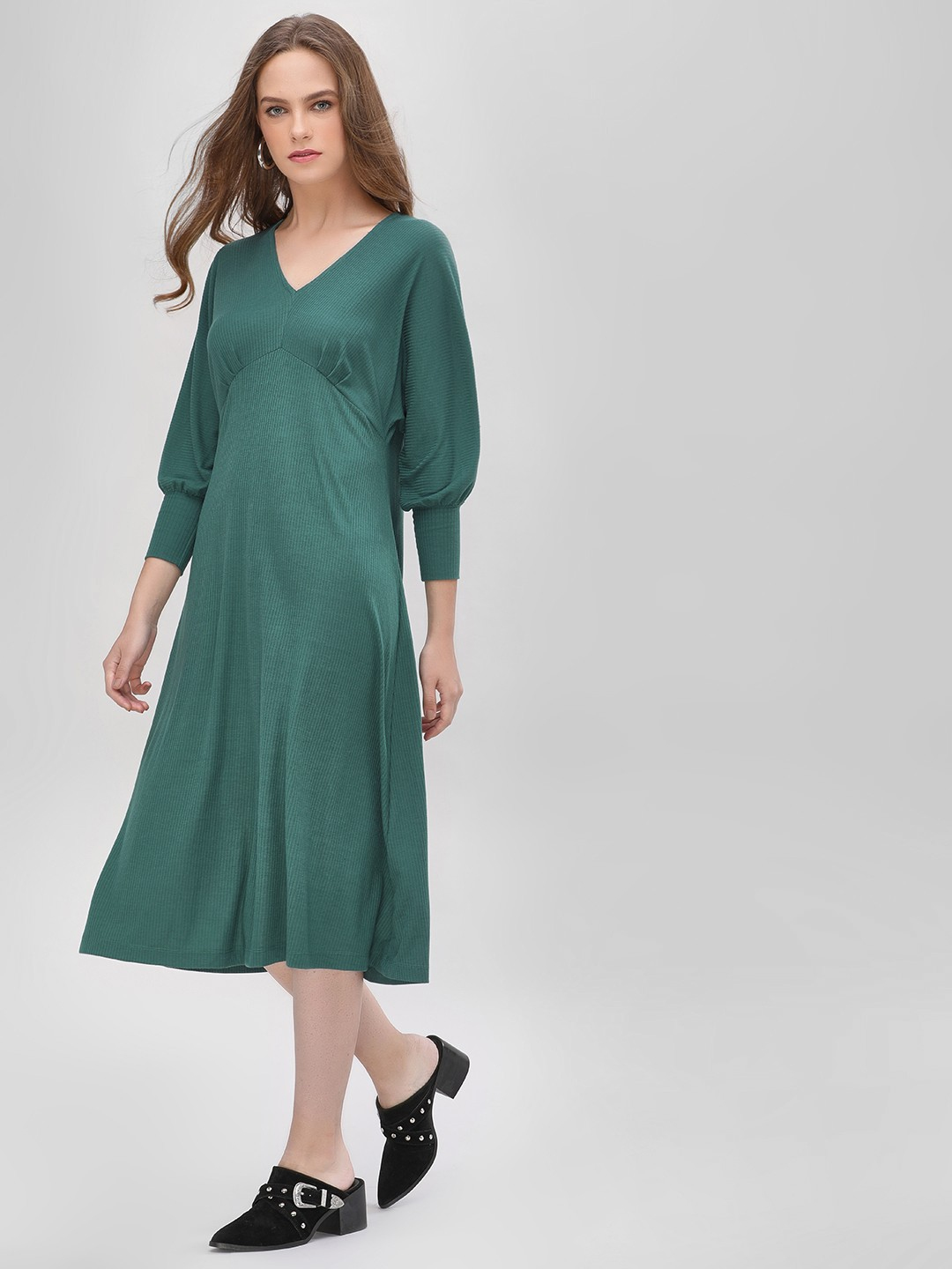 Sbuys Green Bishop Sleeve Ribbed Midi Dress 1