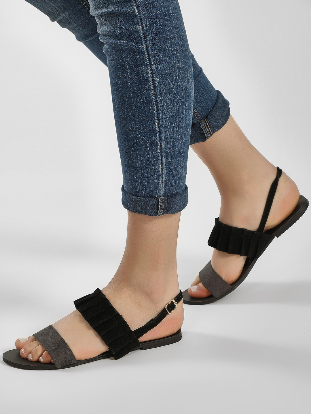 CAi Black/Grey color block ruffle strap sandals 1