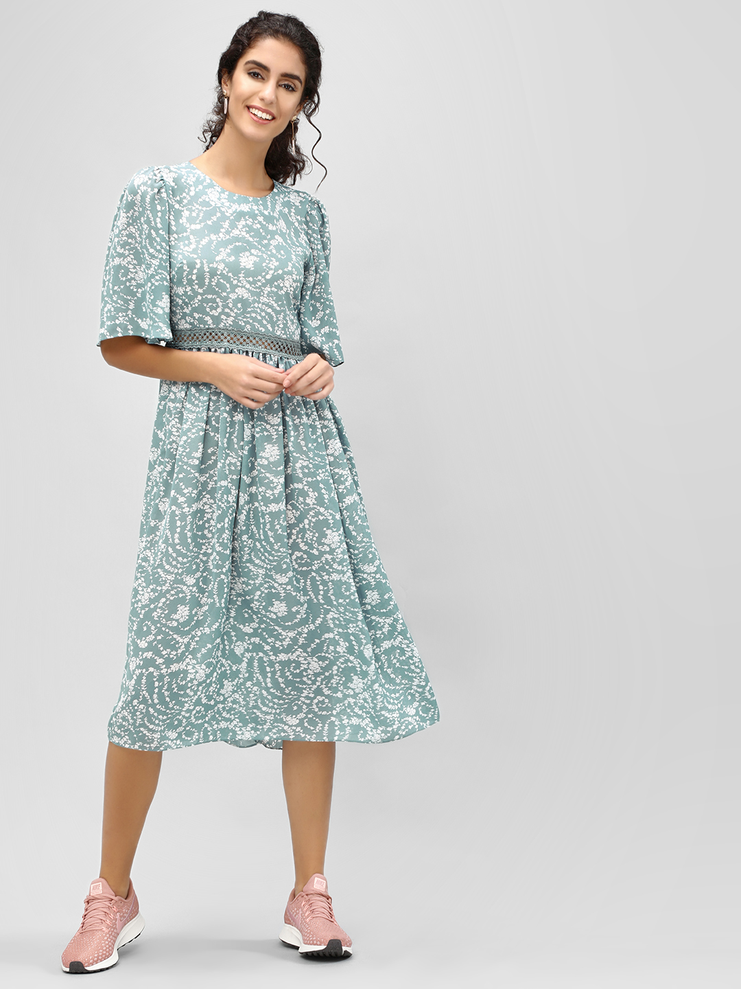 Cover Story Blue Floral Flare Sleeve Midi Dress 1