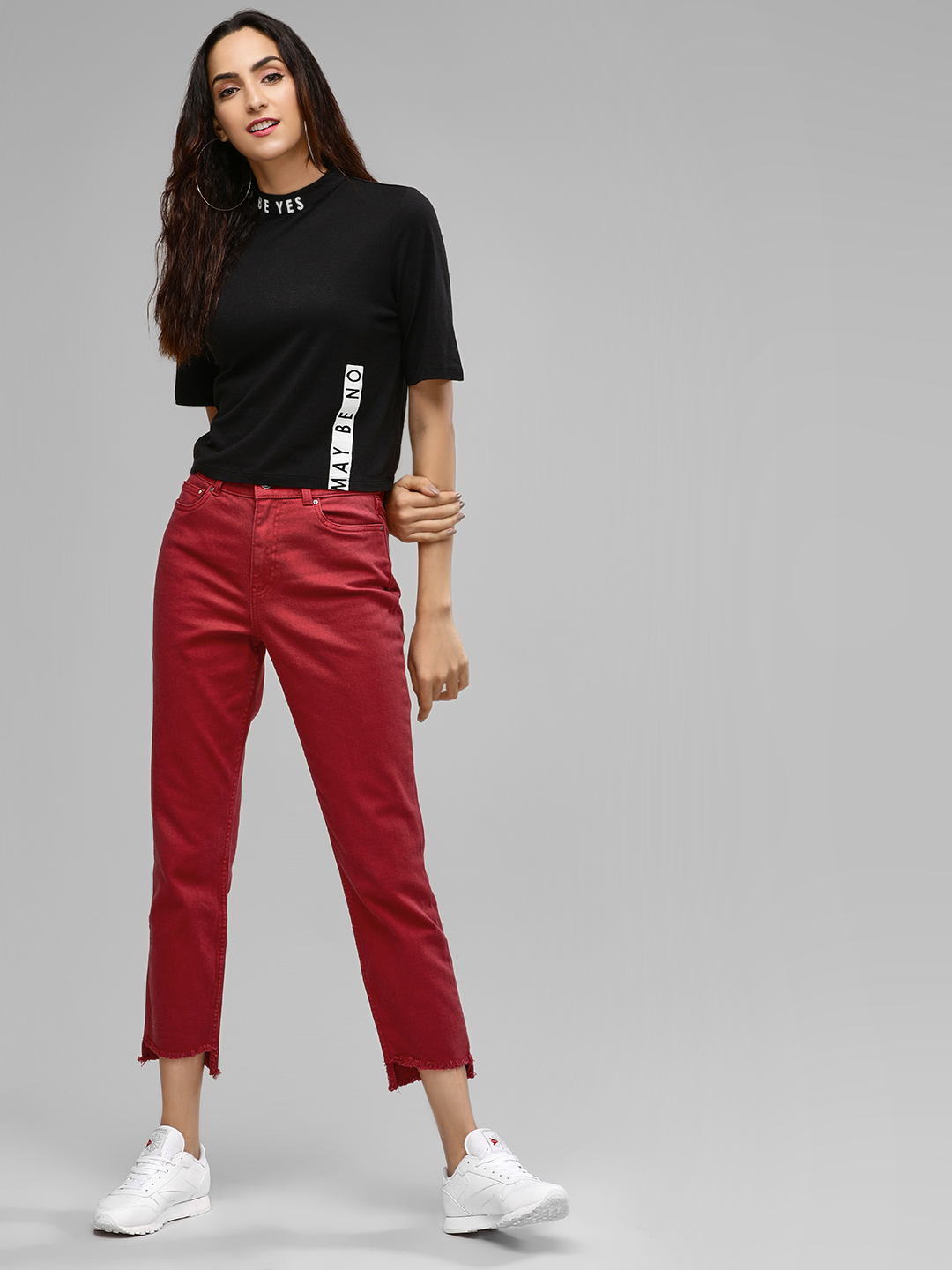 Only Red Cropped Frayed Regular Fit Jeans 1