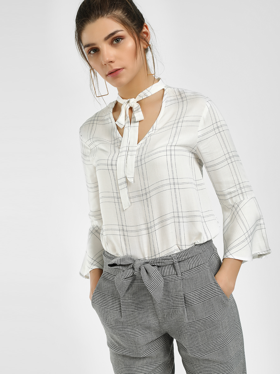 UMM White Windowpane Check Tie-Up Blouse 1