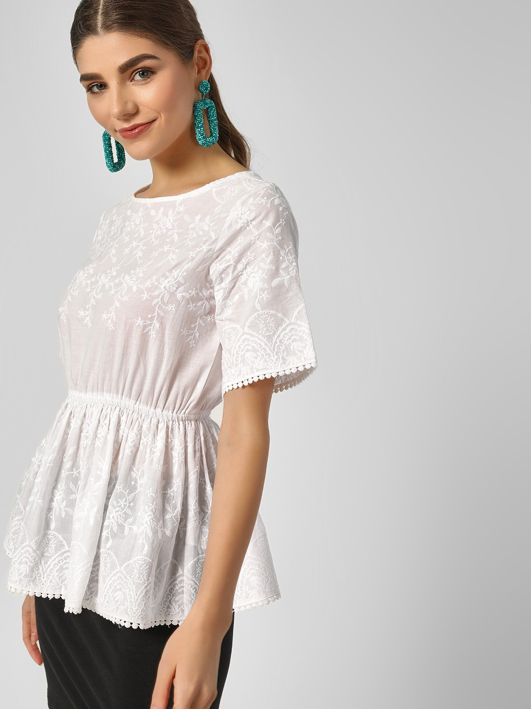 HEY Off White Sleeved Scallop Hem Lace Top 1