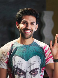 Bollywoo In The Style Of Kartik Aryan Joker T-Shirt