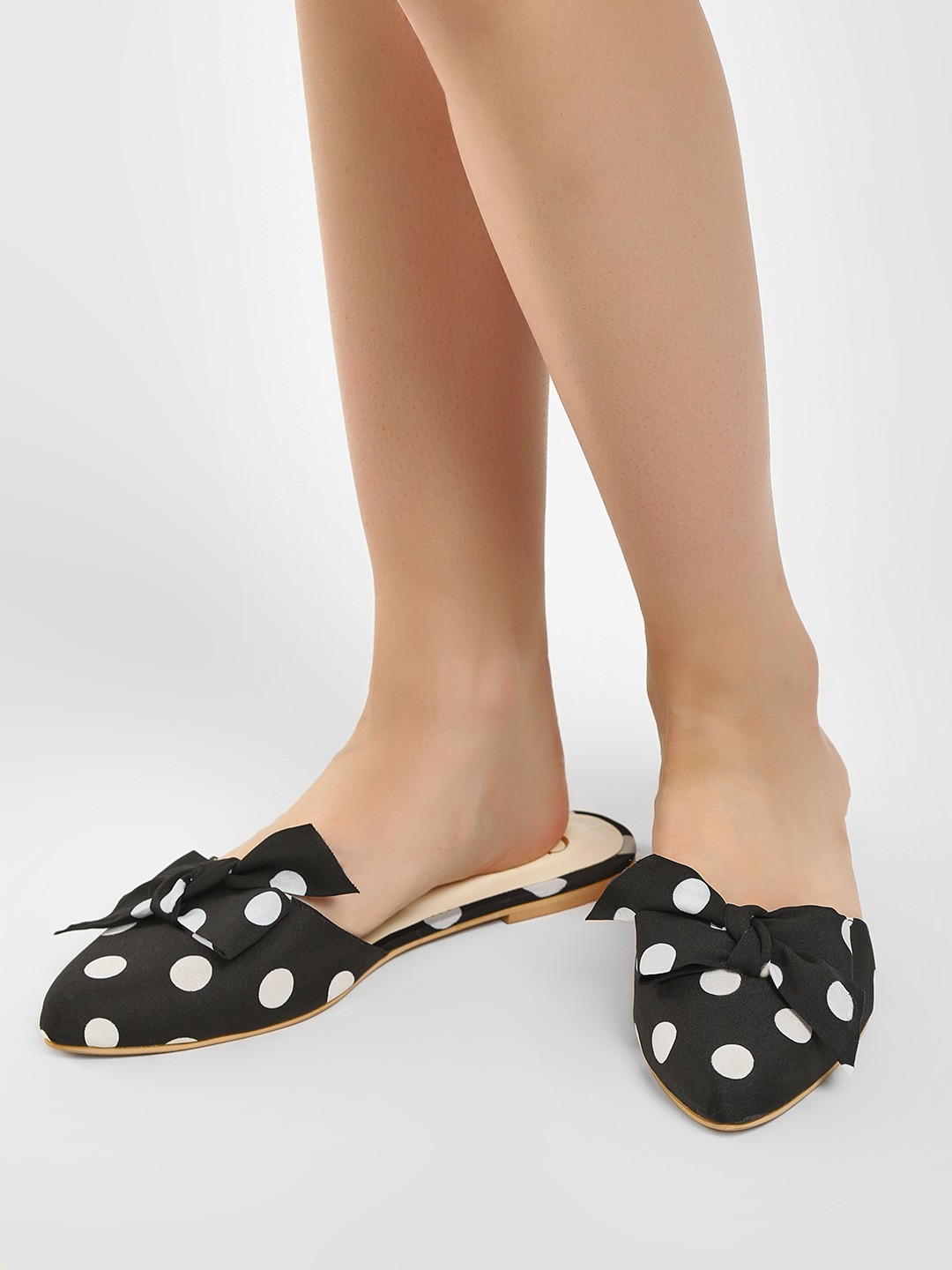 CAi Black Polka Dot Bow Detail Slides 1
