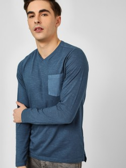 Buffalo Woven Pocket V-Neck T-Shirt