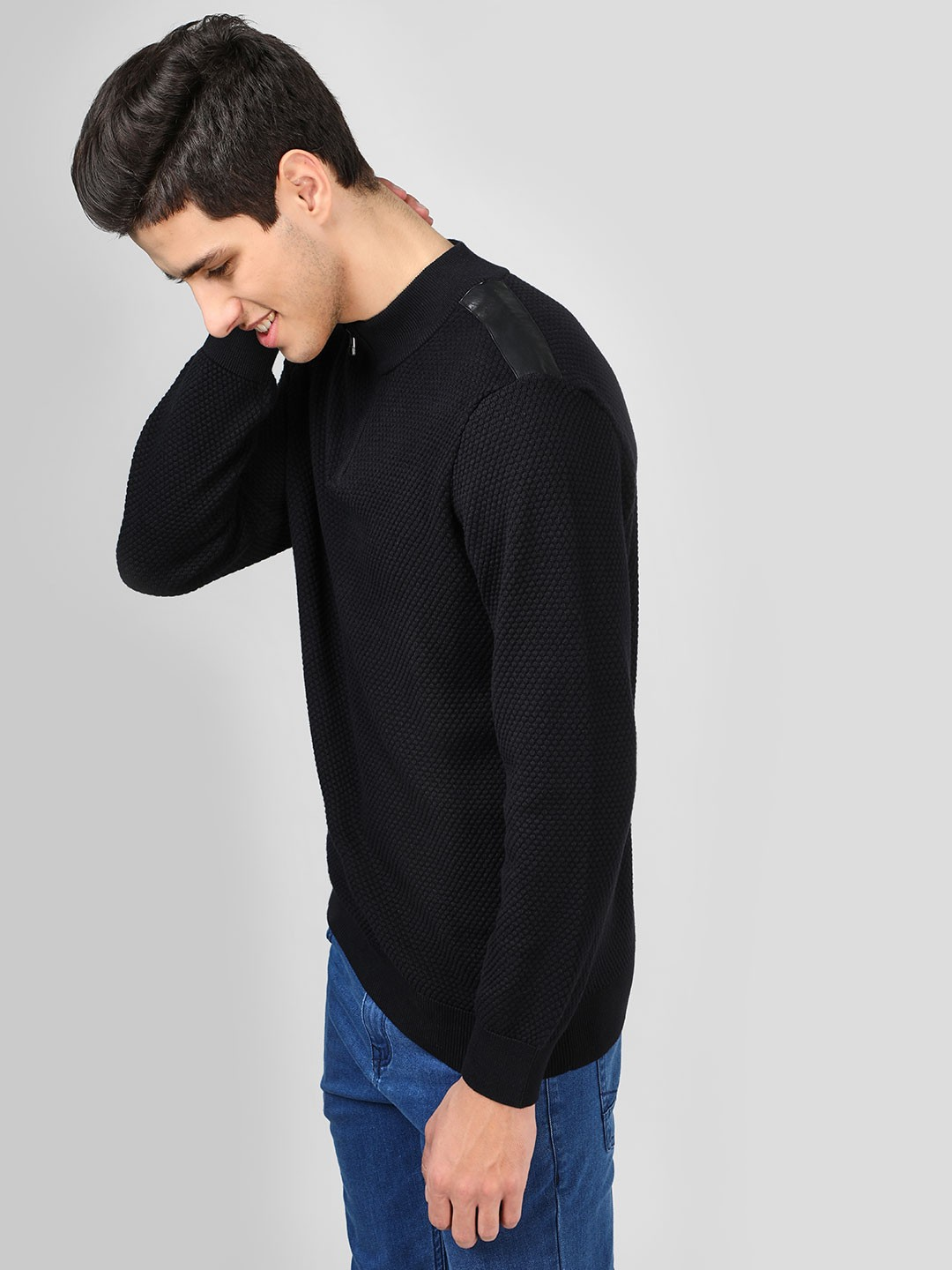 SCULLERS Black Quilted Zipper Sweatshirt 1