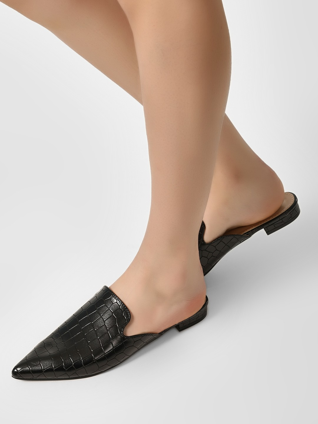 Sole Story Black Pointed Toe Textured Flat Mules 1