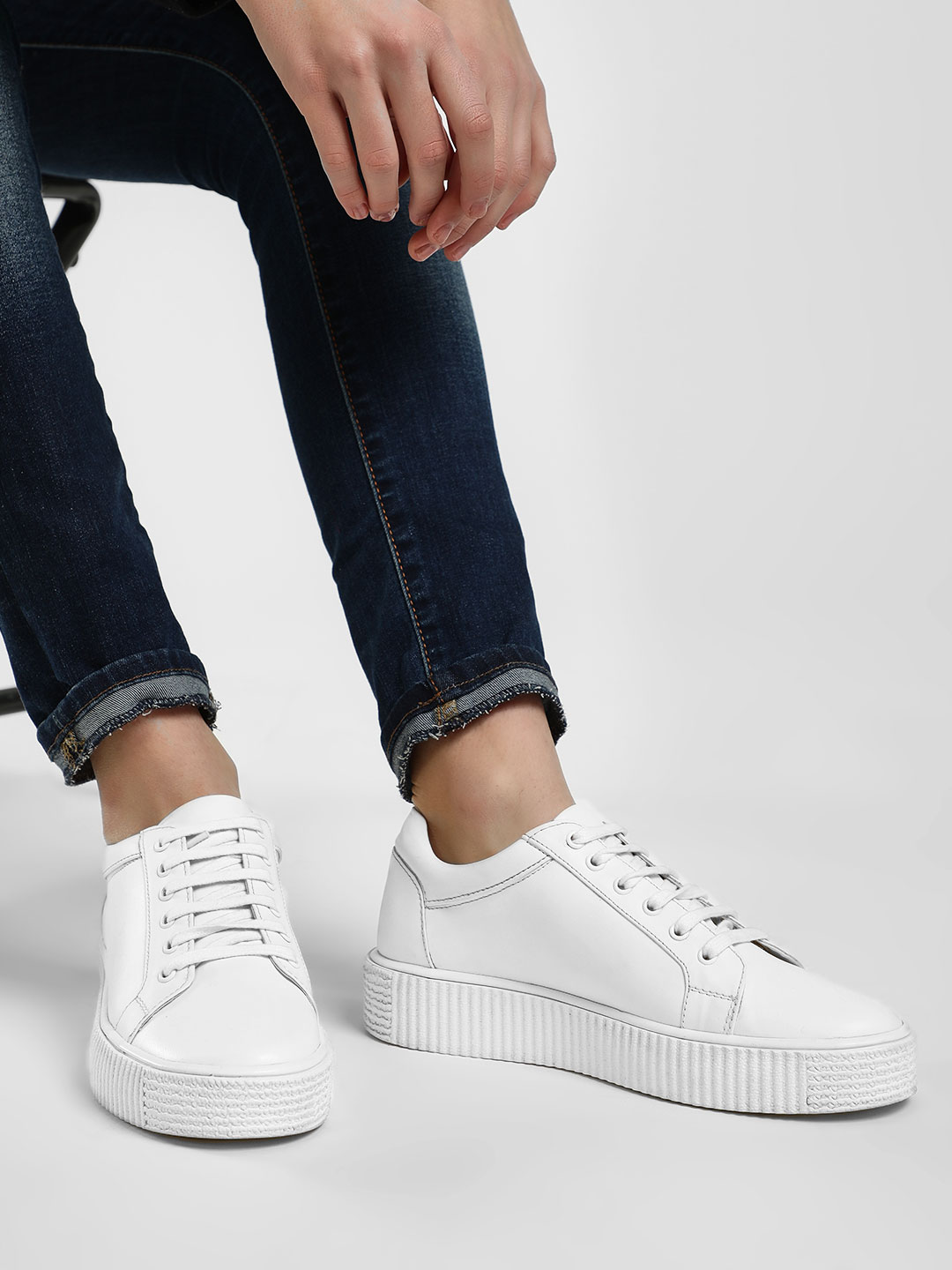 KOOVS White Suede Lace-Up Shoes 1
