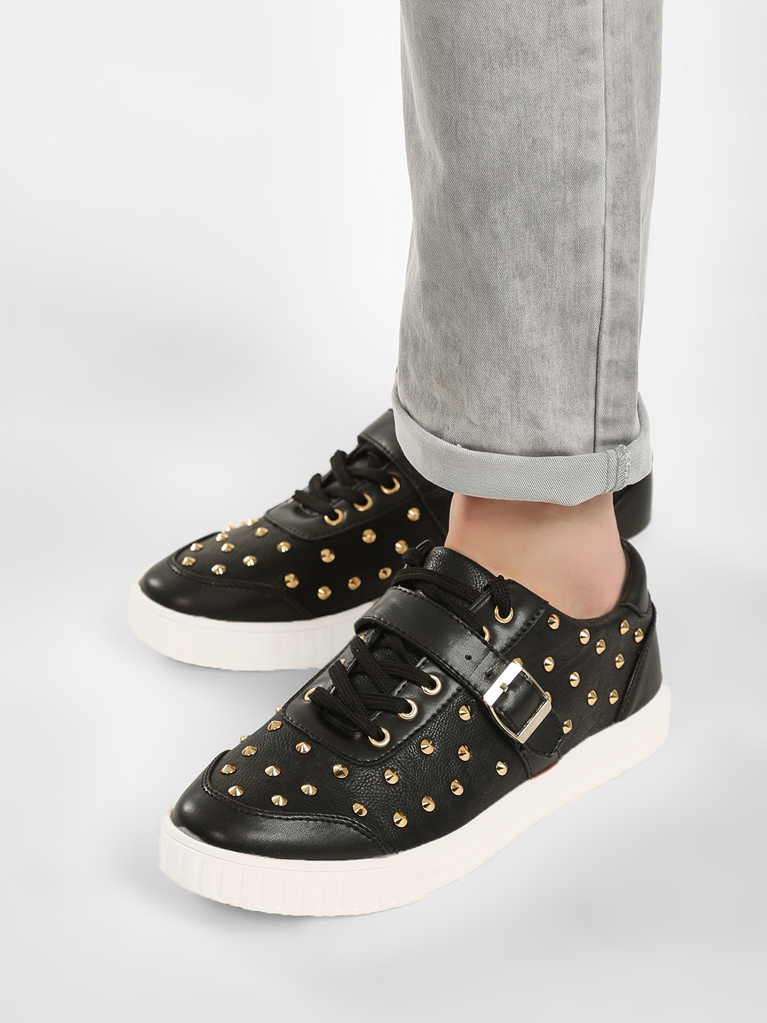 Tiktauli Black Contrast Sole Studded Sneakers 1