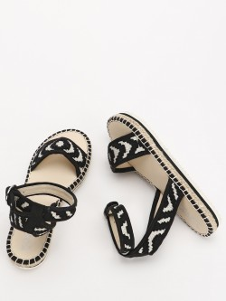 KOOVS Embroidered Strap Flat Sandals
