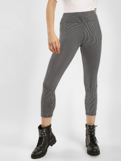 KOOVS Striped Cropped Leggings