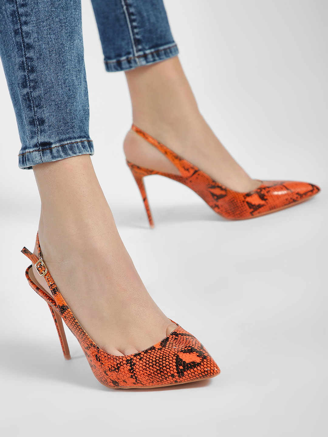 Intoto Orange Snakeskin Print Slingback Pumps 1