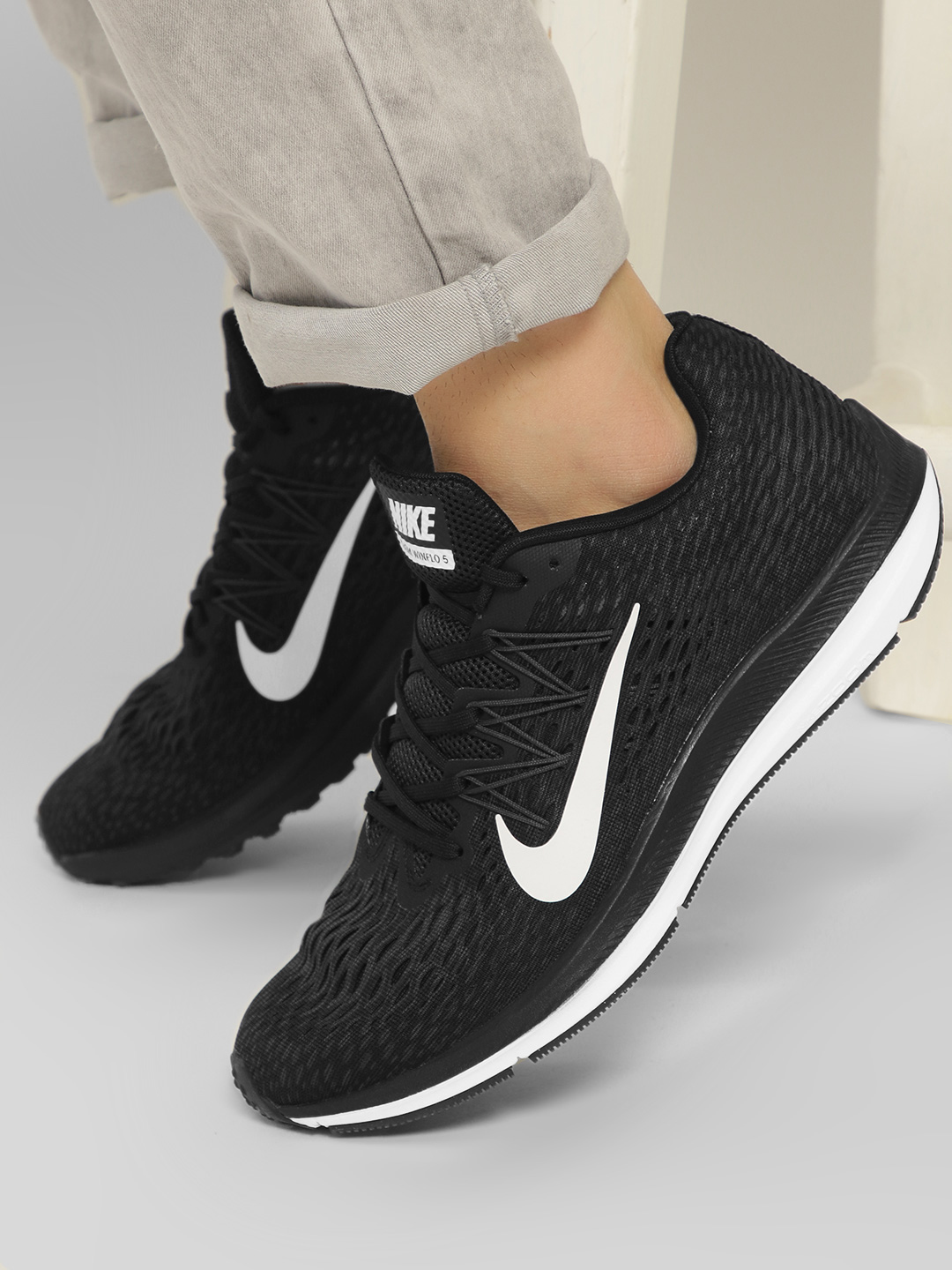 Nike Black Air Zoom Winflo 5 Shoes 1