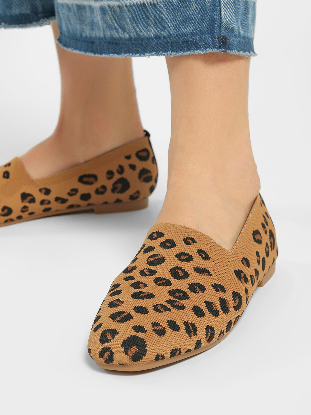 My Foot Couture Brown Textured Leopard Print Flat Shoes 1