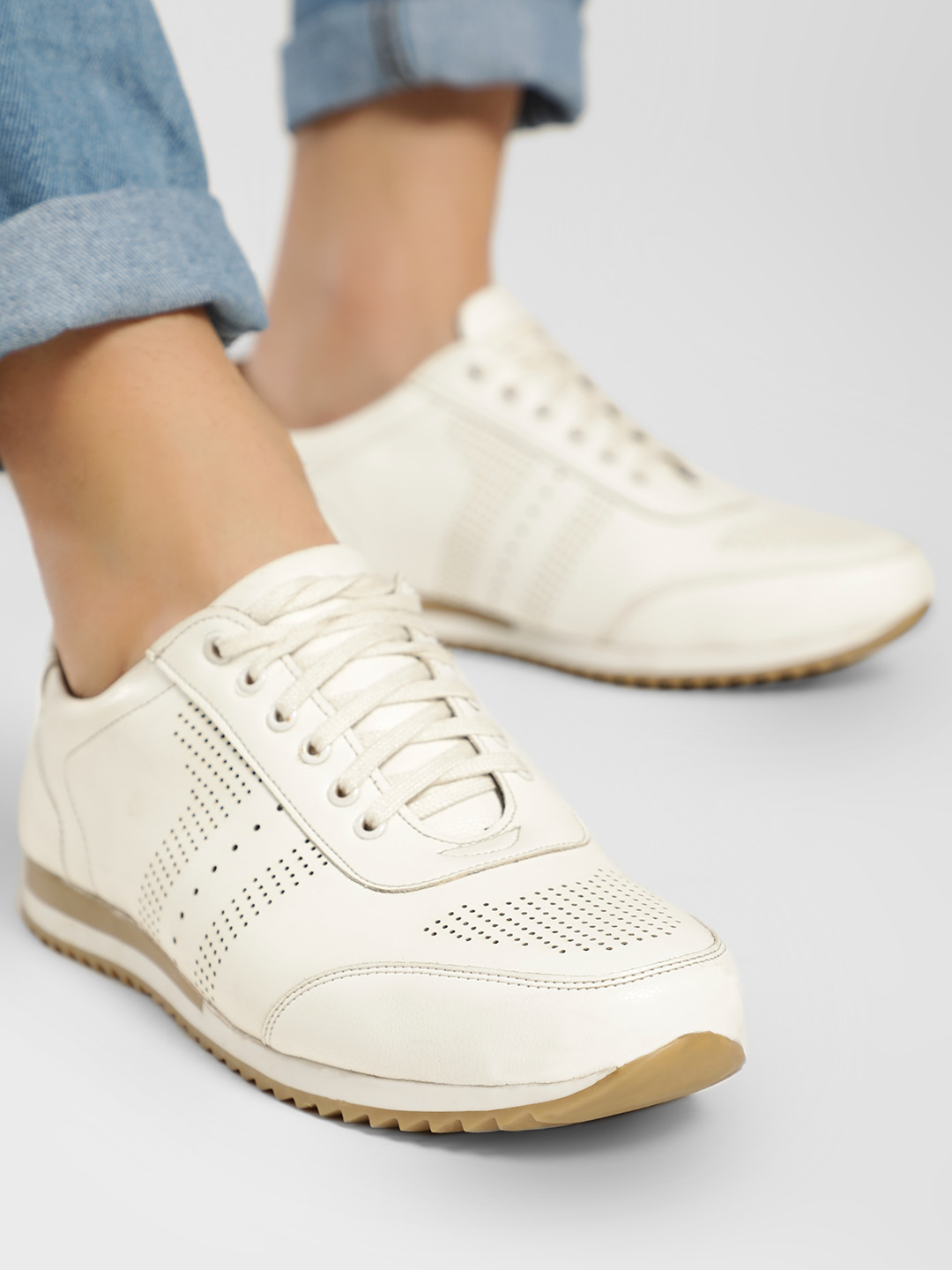 Rodolfo Darrell White Perforated Panel Sports Sneakers 1