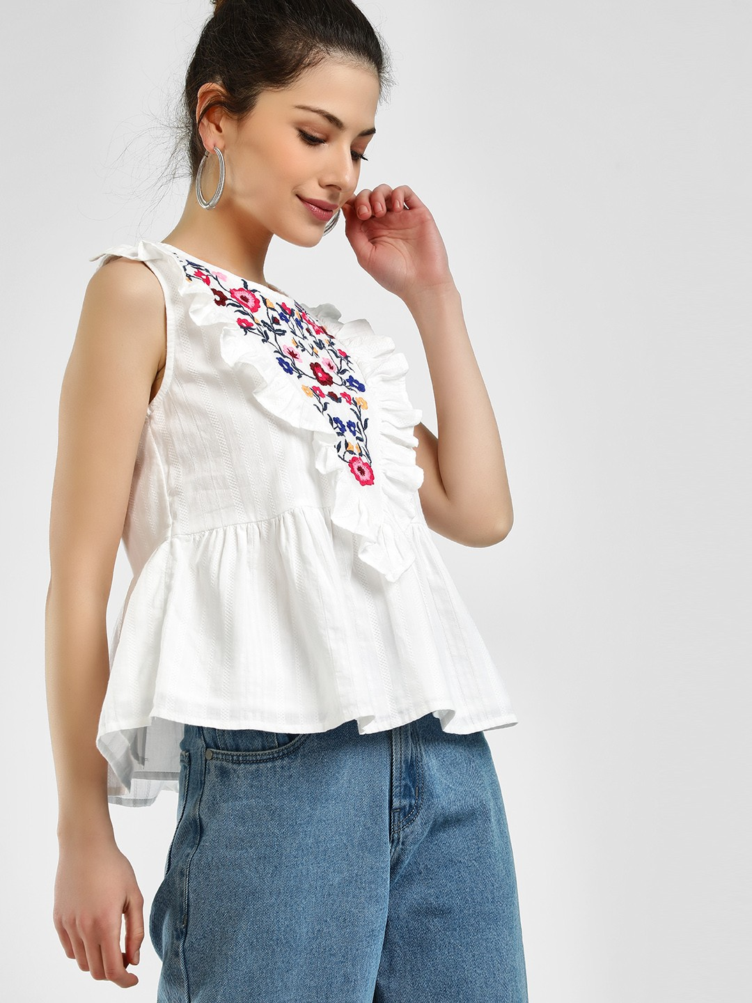 Sbuys White Ruffle Floral Embroidered Sleeveless Blouse 1