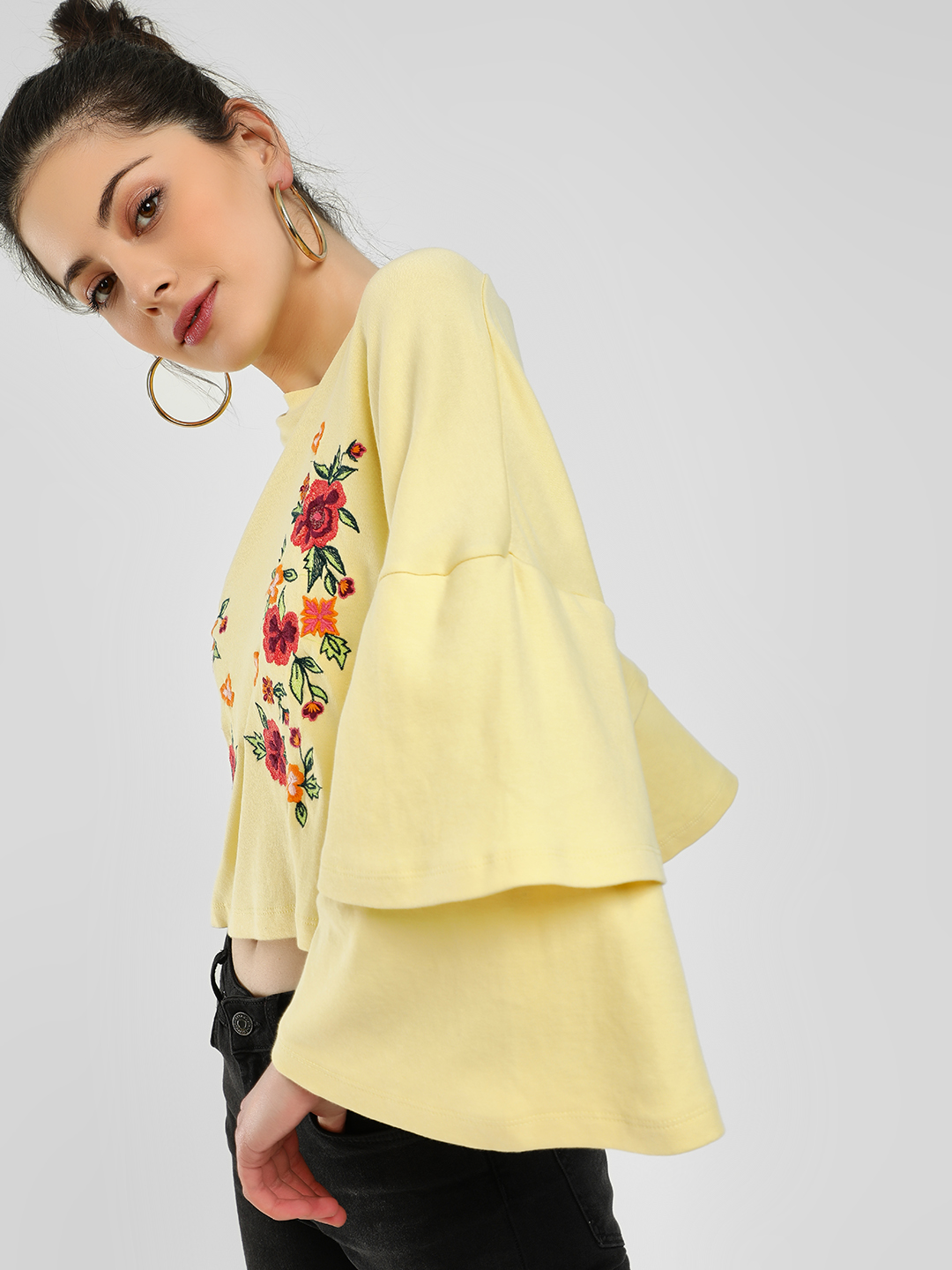 Sbuys Yellow Floral Embroidered Crop Top 1