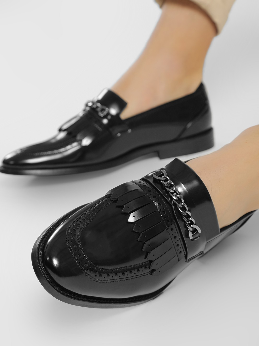 Griffin Black Chain And Fringe Detail Loafers 1