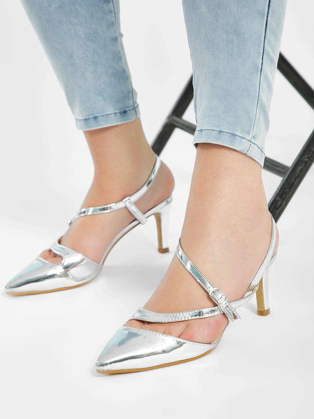 Intoto Silver Metallic Asymmetric Heeled Sandals 1