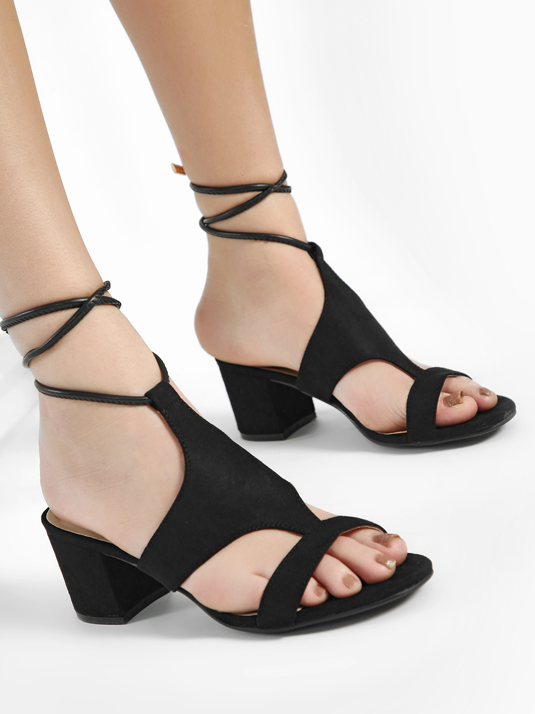 Intoto Black T-Strap Detail Block Heeled Sandals 1