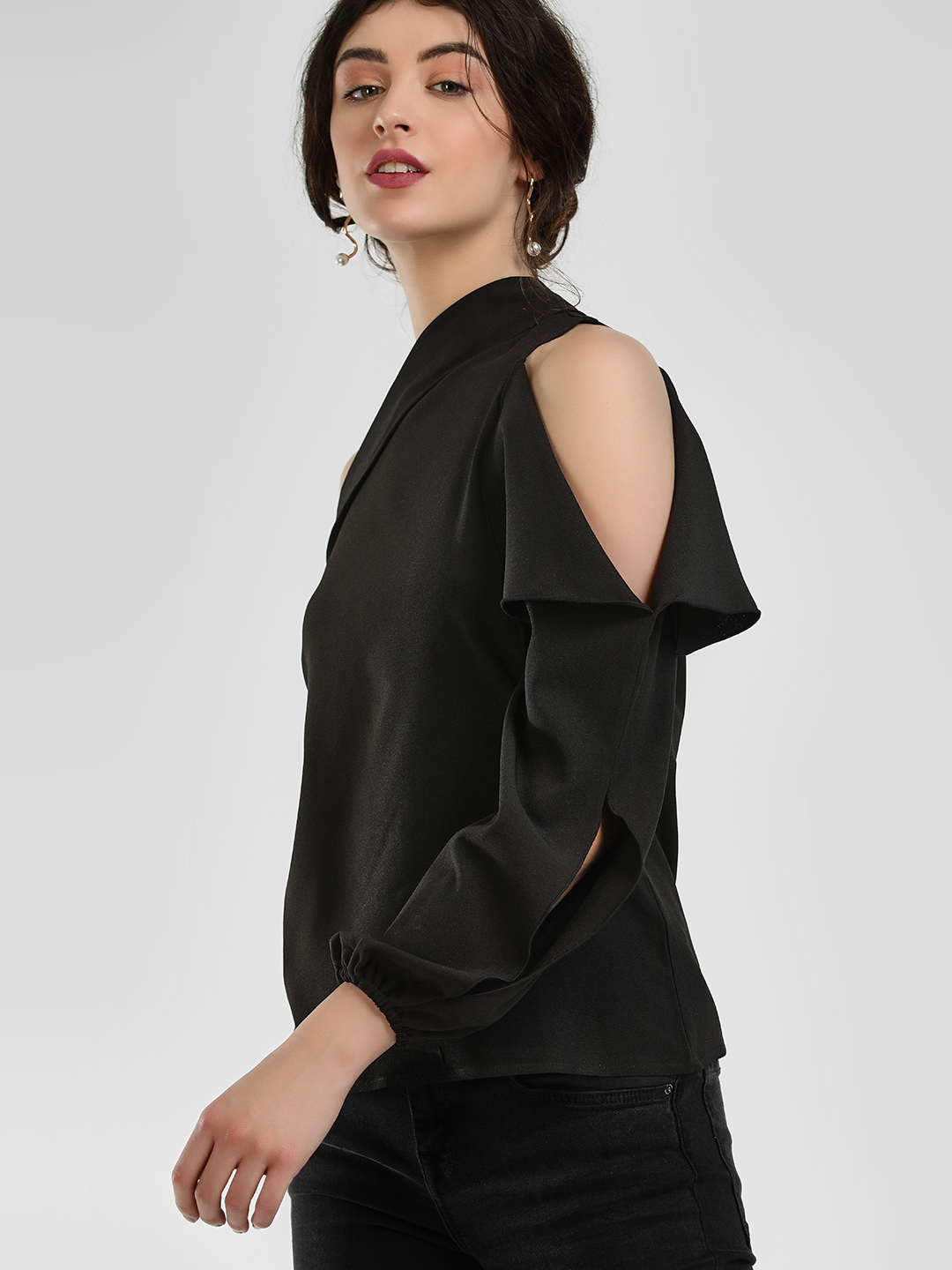 Ri-Dress Black One Shoulder Cutout Blouse 1