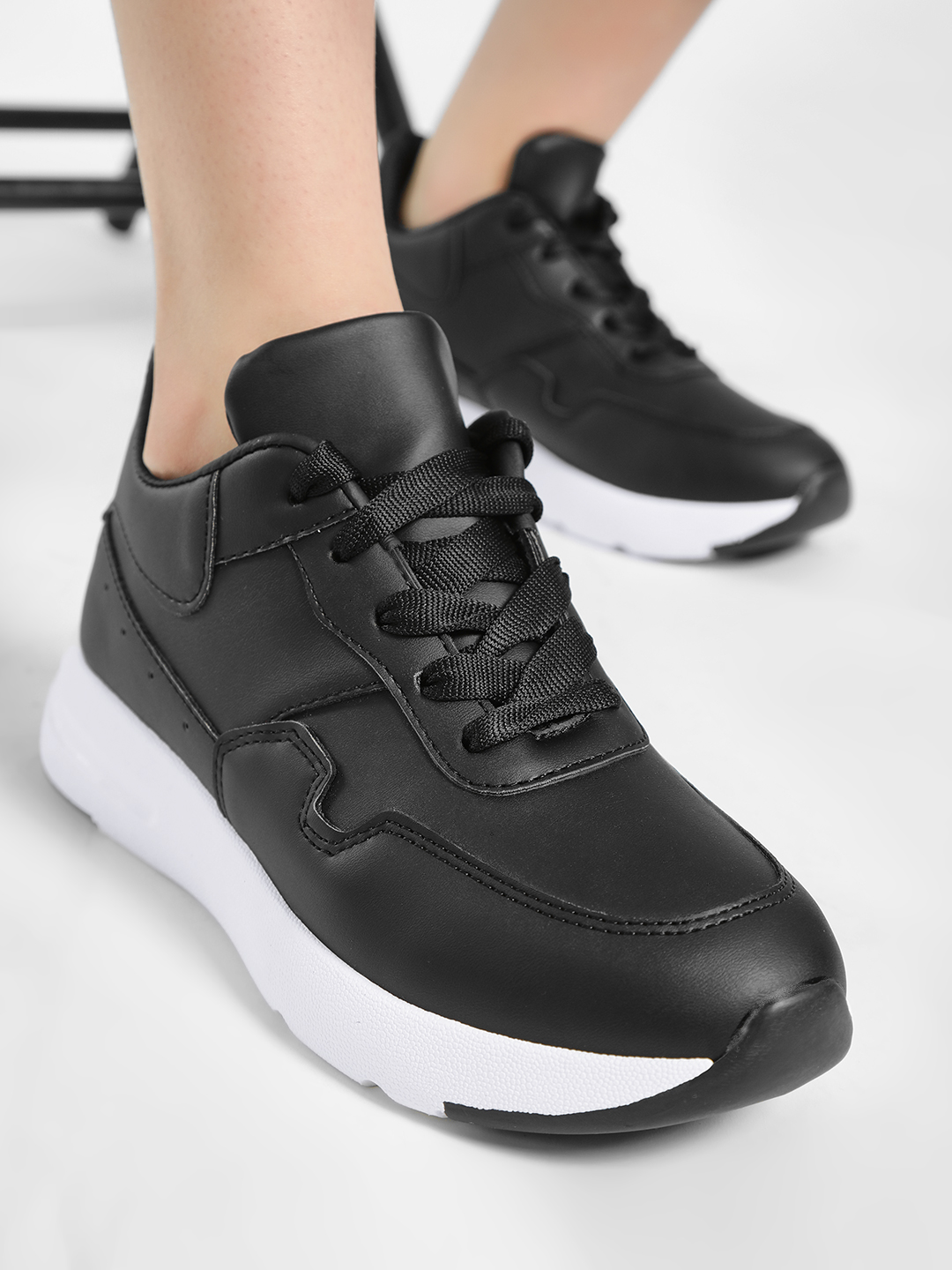 No Doubt Black Chunky Sole Trainers 1