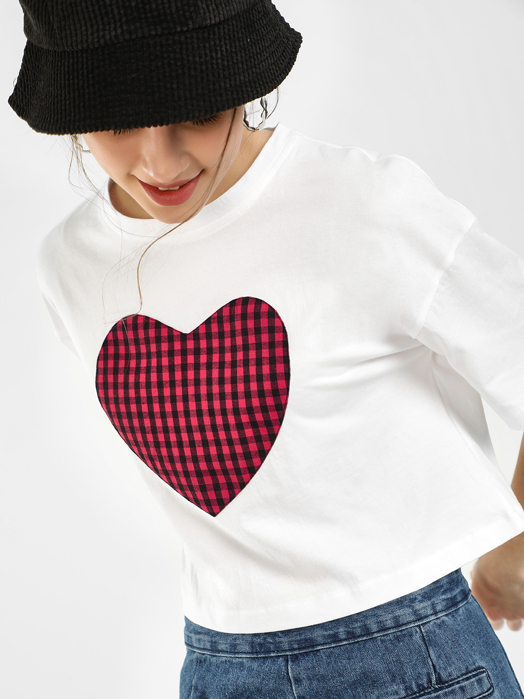 KOOVS White Heart Check Patch Crop T-Shirt 1