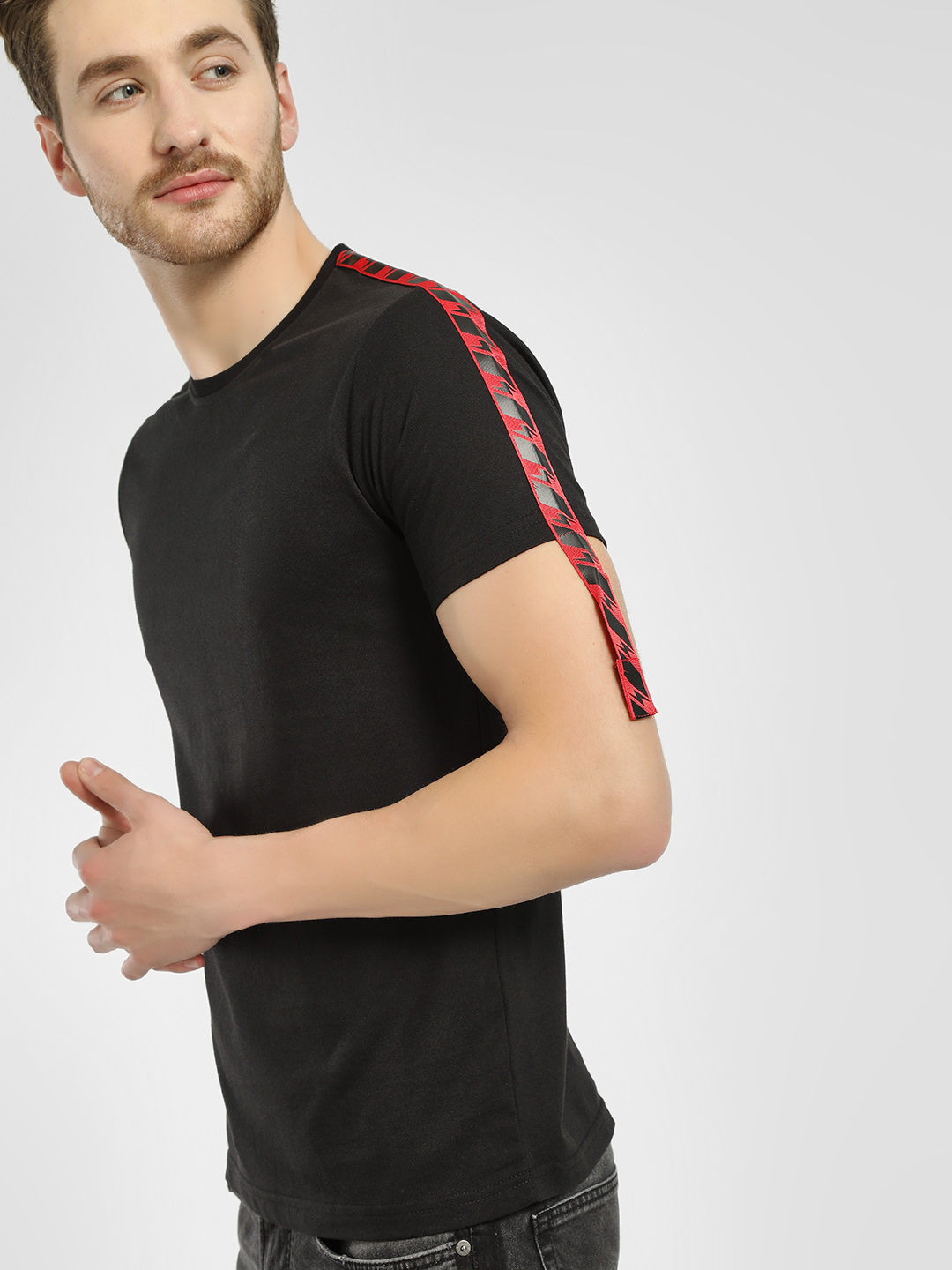 Deezeno Black Extended Sleeve Tape T-Shirt 1