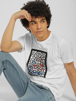 Deezeno Embossed Graphic Patch T-Shirt