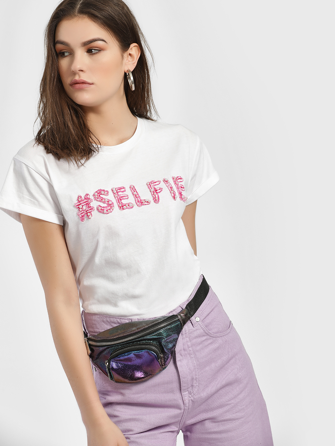 KOOVS White Selfie Embroidered Crew Neck T-Shirt 1