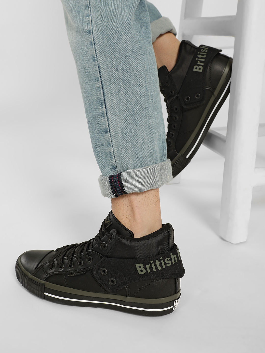 BRITISH KNIGHTS Black Lace-Up Hi-Top Sneakers 1