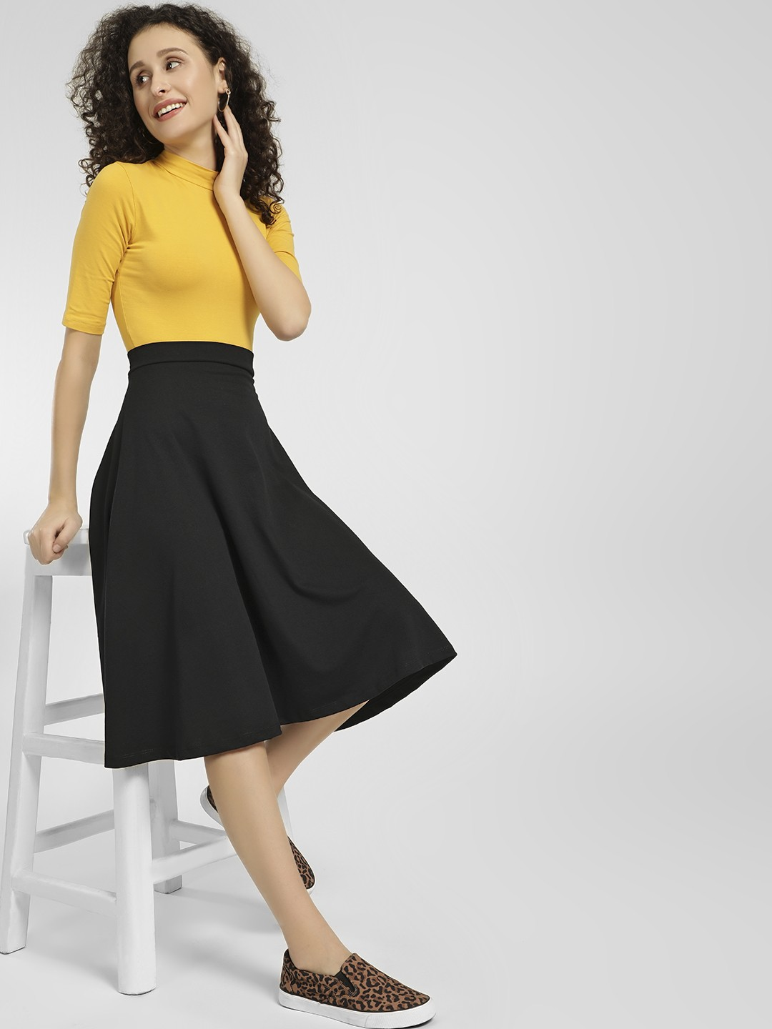 KOOVS Black Basic Midi Skater Skirt 1