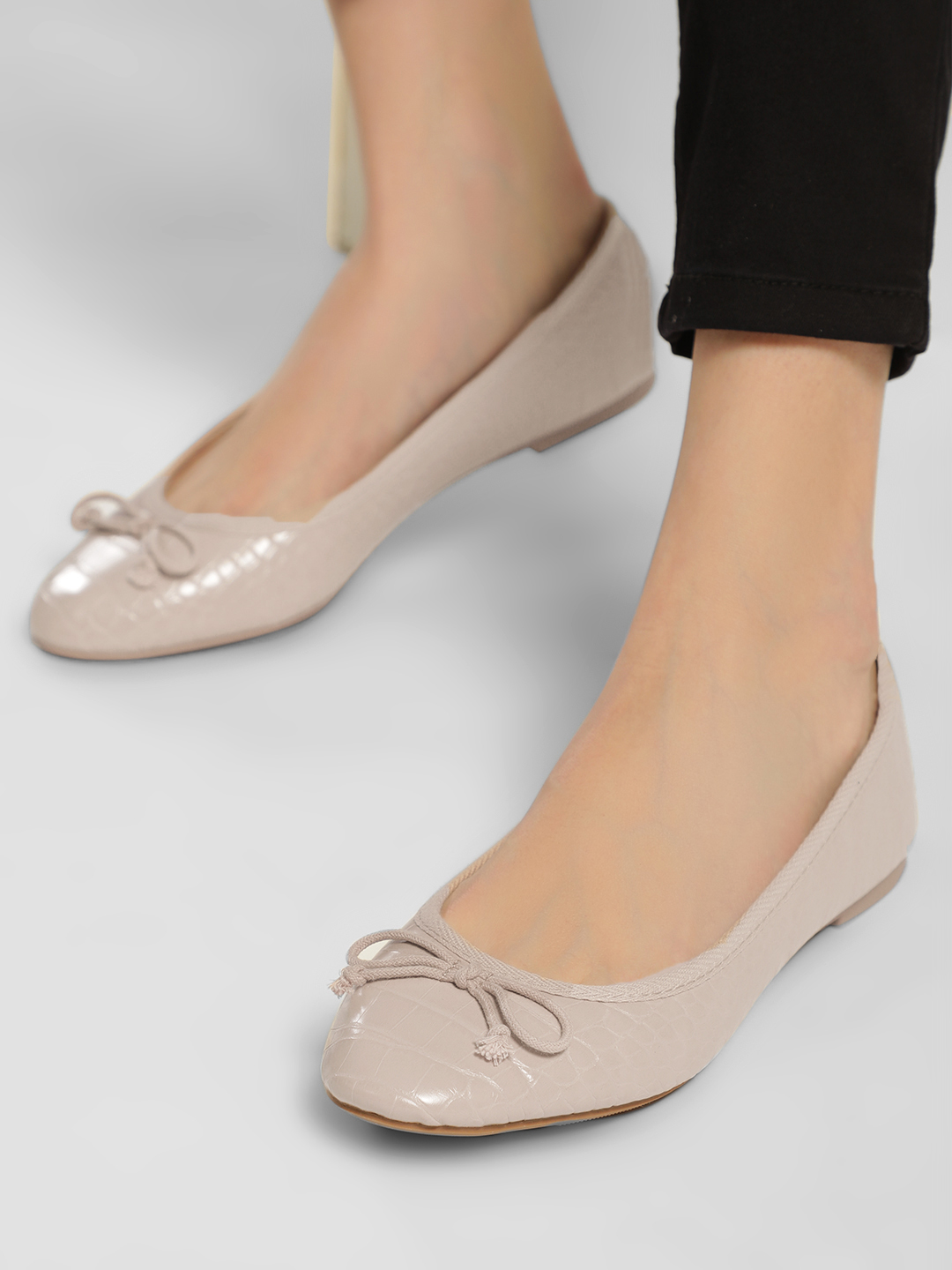 New Look Off White Crocskin Bow Ballet Pumps 1