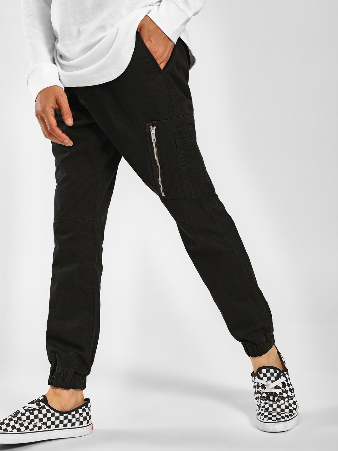 SKULT By Shahid Kapoor Black Zipper Detail Joggers 1