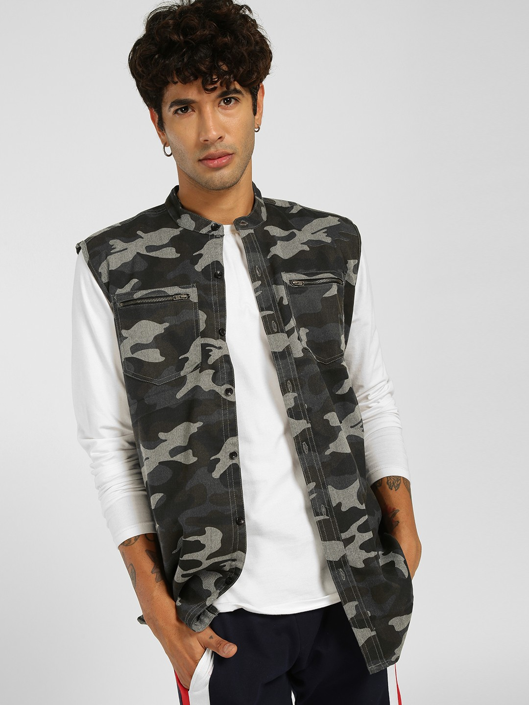 SKULT By Shahid Kapoor Multi Sleeveless Camo Print Jacket 1