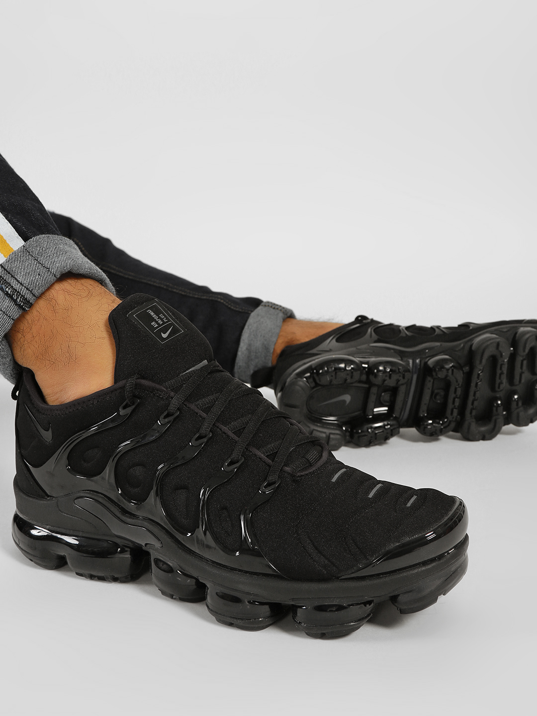 Nike Black Air Vapormax Plus Trainers 1